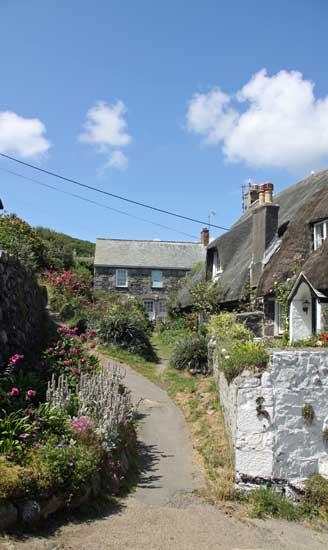 3 bedroom thatched country cottages sleeps 6